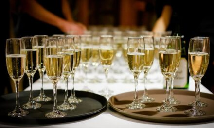 Champagne vs. Prosecco – What Is the Difference?