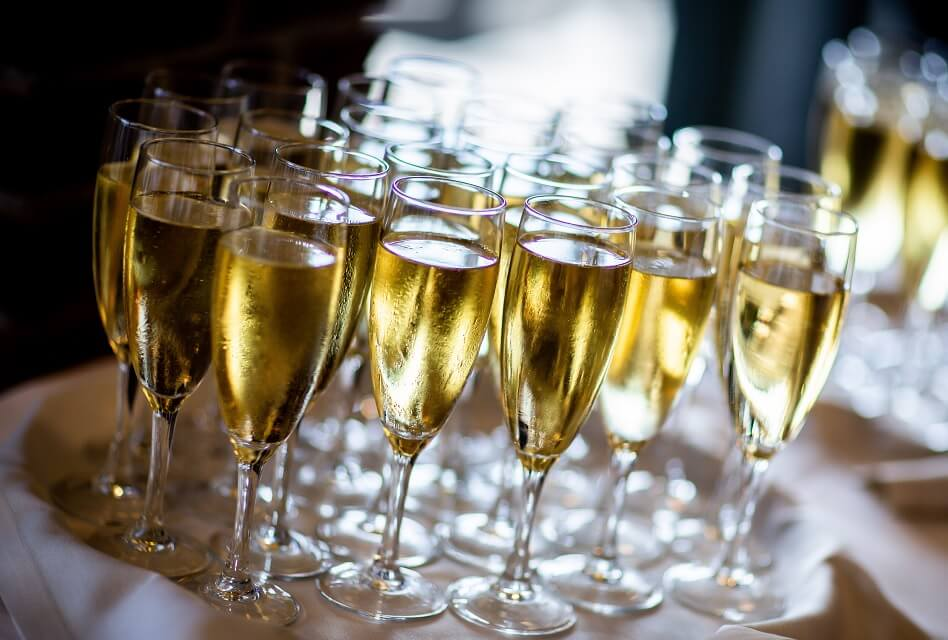 The 9 Most Popular Types of Sparkling Wine