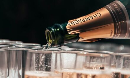 The Complete Guide to Champagne Sparkling Wines