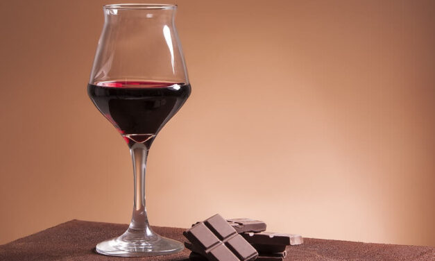 Wine for Dessert: How to Pair Chocolate and Wine