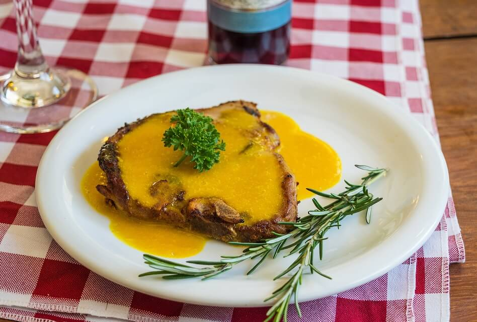 Pork and Wine – The Best Pairings for Ribs & Chops